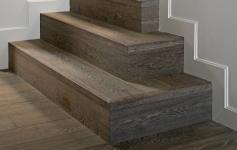 Delphi - Escalier